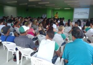 """Reunião de pais no auditório da EMEF """" Esther da Costa Santos"""