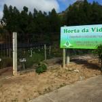 O horto municipal ocupa um espaço de 1000m2 , em terreno cedido pela IECLB